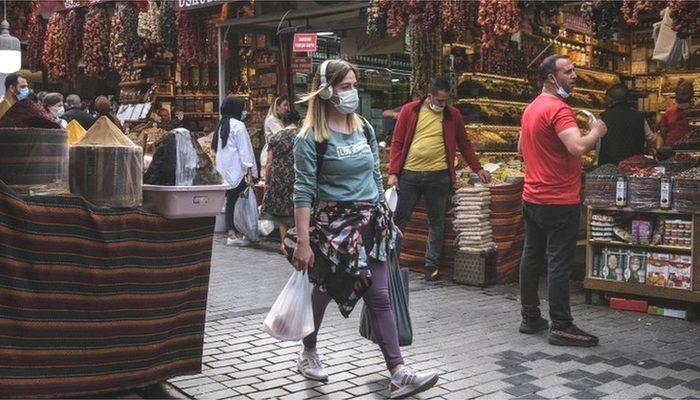 Covid: Türkiye'de vaka sayıları ve kısıtlamalarda son durum ne?