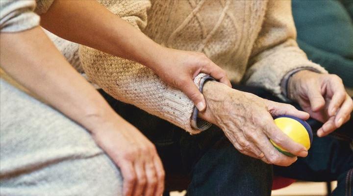 Koronavirüs salgınında Alzheimer hastalığına bağlı ölümler yüzde 16 arttı