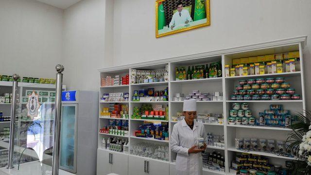 Türkmenistan'daki sağlık çalışanları koronavirüs veya Covid kelimelerini kullanmıyor